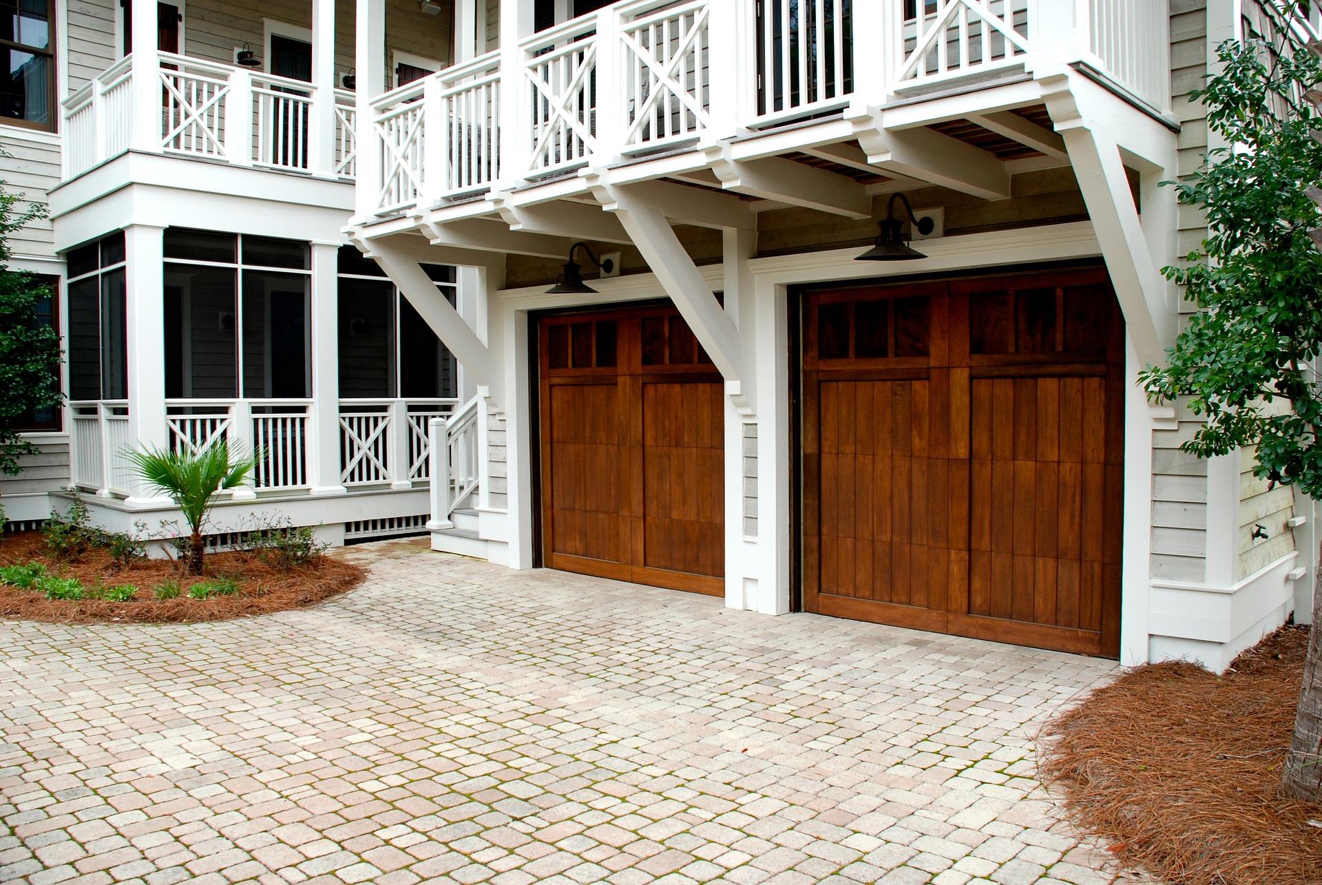 Czym kierować się podczas wyboru bramy garażowej?