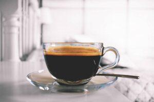 """Skąd pochodzi kawa czyli burzliwa historia """"małej czarnej"""""""